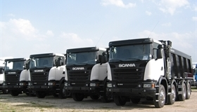 Delivery of 4 new Scania tippers for Roster Ltd.